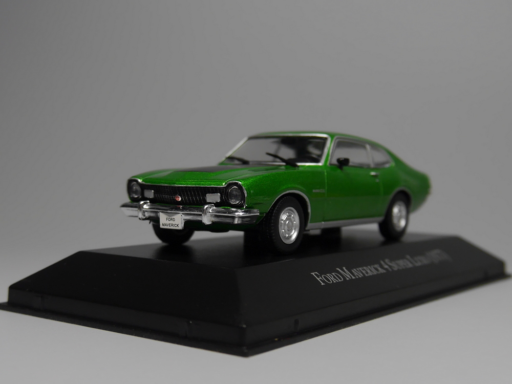 Oto Inn-ixo 1:43 Ford Maverick 4 Süper Luxo 1977 Diecast model araba